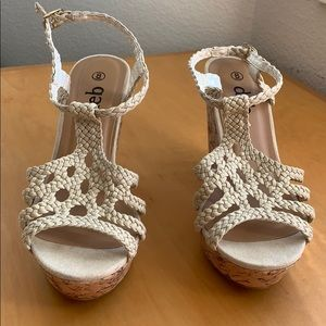 Neutral lacy wedges